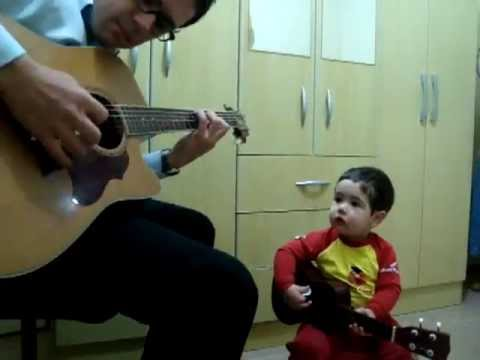 2 Year Old Boy And His Dad from Brazil Perform The Beatles' 'Don't Let Me Down'