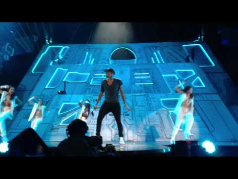 Chris Brown Yeah 3x & Dont Wake Me Up Live Stockholm Globen 19 11 2012 video