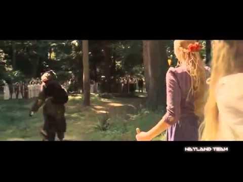 Шутки про Кейджа в костюме медведя