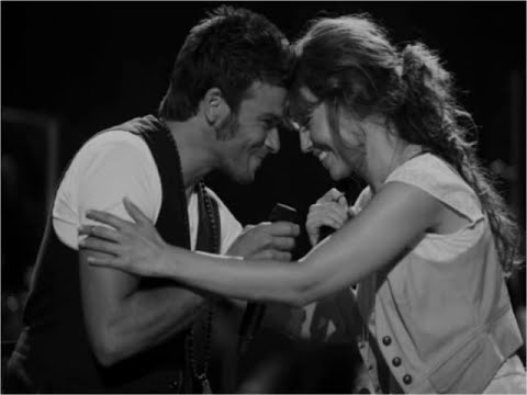 Estoy Enamorada.... Thalia & Pedro Capo.wmv