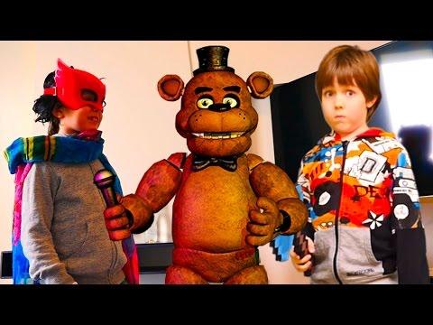 Видео для детей! 5 ночей с Фредди. Адриан vs хейтер!