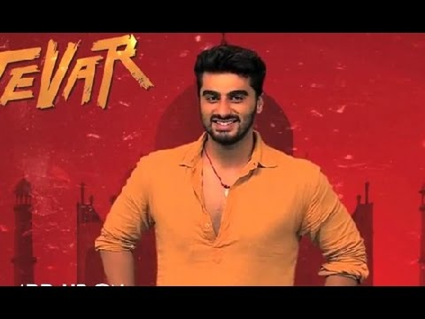 Arjun Kapoor Invites You To Join Whatsapp | Arjun Kapoor, Sonakshi Sinha