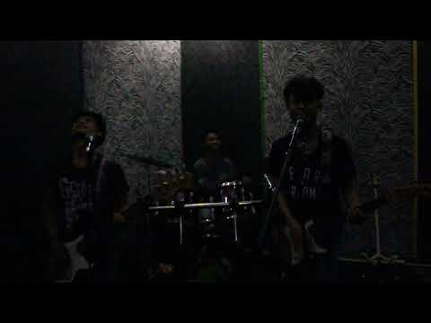 Stand here alone - Pacarku siluman (Cover DFT)