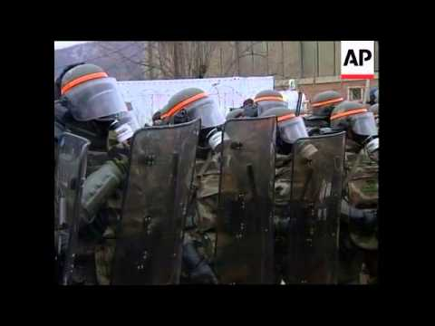 KOSOVO: PEACEKEEPERS FIRE TEAR GAS AT PROTESTORS (V)