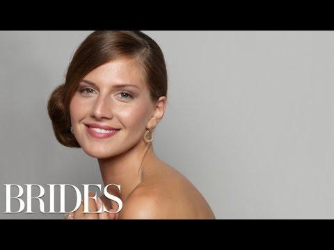 Wedding Hairstyles 101: A Sleek Side Bun – BRIDES