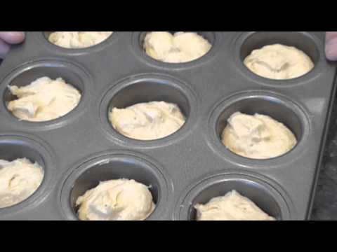How To Make Cakes 19 : Mini Victoria Sponge Cakes (alternative to cup cues) thumbnail
