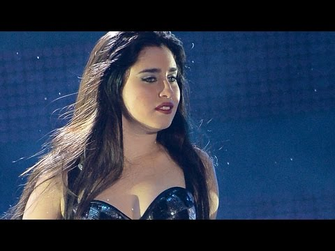 Lauren Jauregui Tearfully Breaks Down In The Middle Of Fifth Harmony Performance