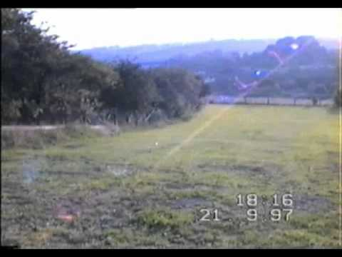 21-9-97 Radio aerial and lights clearly visible  - close mown lawns