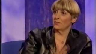 Victoria Wood on Parkinson 2000 - Piano Lessions and meeting Julie Walters.3/4