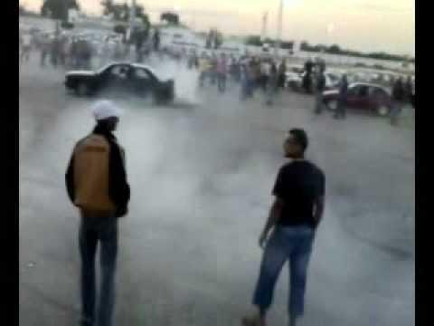 تأديب البي ام على يد سليمان الشركسي في ساحة الكيش BMW M3 DRIFTING IN BENGHAZI