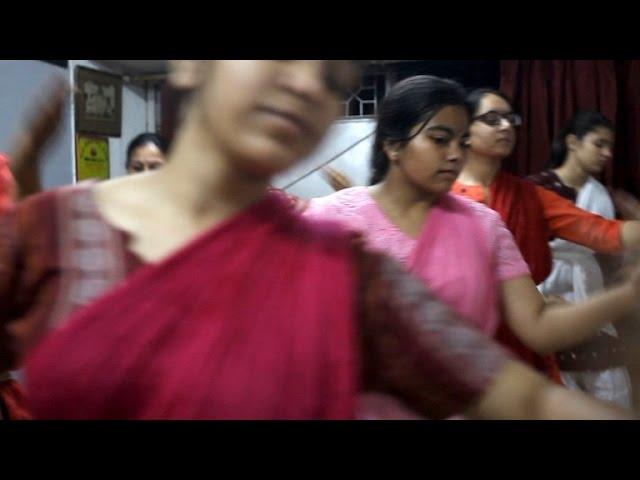 Indien tanzt den Tempel-Style