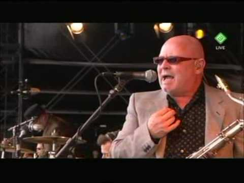 Madness Live - Pinkpop 2009 - Dust Devil