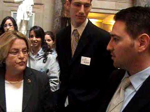 Ileana meets with students from Beth Jacob high school in North Miami Beach