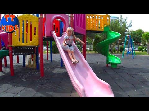 Влог Мой Обычный День на отдыхе - Яркая Детская Площадка Видео для детей