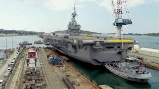 [TIMELAPSE] Sortie du bassin du porte-avions Charles de Gaulle