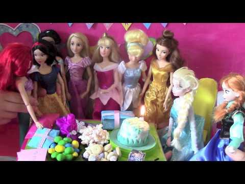 Videos de Frozen - Elsa y Anna muñecas, castillo, cumpleaños, Juguetes 1,5 horas En Inglés!