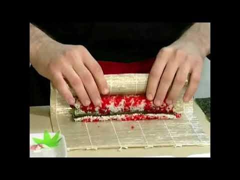 Как делают суши