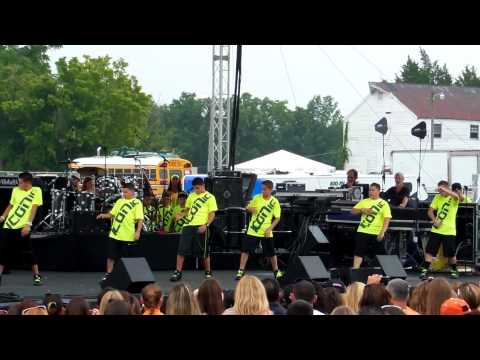 Iconic Boyz - Balloon Festival 2012 Abdc Mix video