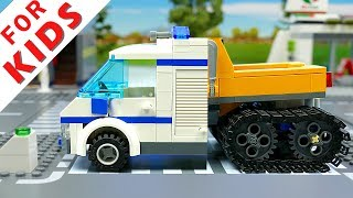 Lego Robot builds a Car Brick Building Animation for Kids