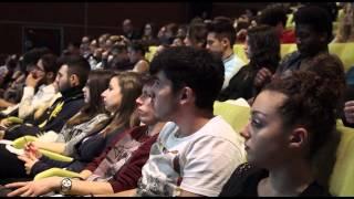 """video La Fondazione CRC ha promosso, per il 5° anno, il meeting """"L'Economia incontra gli studenti"""". La manifestazione, realizzata con il patrocinio dell'ACRI (Associazione delle Fondazione..."""