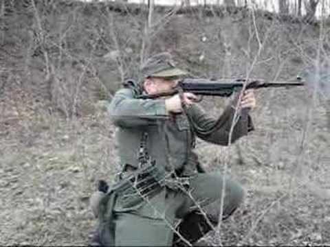 German MP-40 submachinegun