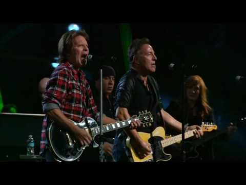 Bruce Springsteen w. John Fogerty Fortunate Son Madison Square Garden NYC 2009 10 2930