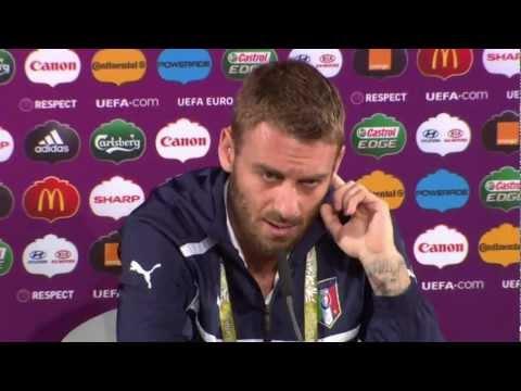 Daniele de Rossi: Andrea Pirlo 'is a genius player'