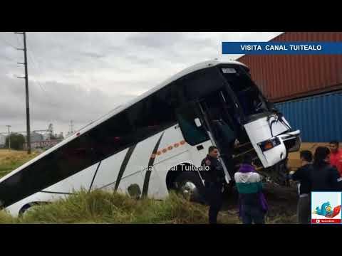 Choque de tren y autobús deja 3 muertos y 43 heridos en El Salto Jalisco Video