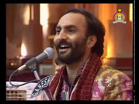 Bhuj Nutan Mandir Mahotsav 2010 - Satsang Hasyraras Sairam Dave Part 2 of 2