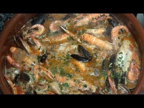 Cazuela de marisco y pescado con patatas Vídeo receta 98 Aquí cocinamos todos. Cooking recipe