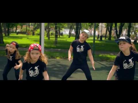 Обучение модному танцевальному направлению Dancehall kids в школе танцев Study-on, Челябинск.