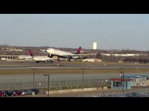 Minneapolis International Airport Plane Spotting Compilation HD