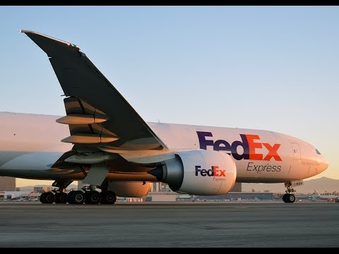 FEDEX Boeing 777-FS2(LR) [N895FD] CLOSE UP Taxi and Takeoff