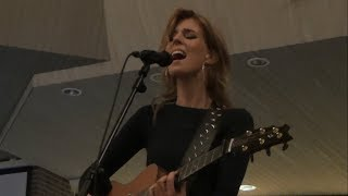 Elske DeWall - How Will I Know (acoustic) @ Chasing The Music 2017