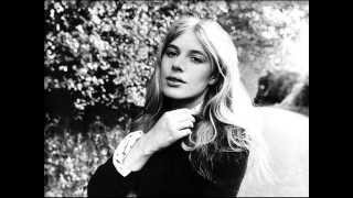 Watch Marianne Faithfull Southern Butterfly video