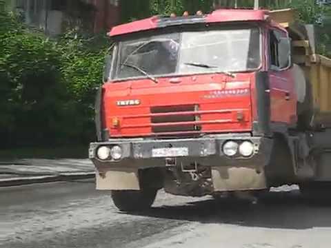 Машина без колеса в Горно-Алтайске