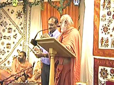 Oldham Temple 35th Patotsav 2012 - Day 5 - Evening Katha Part 2