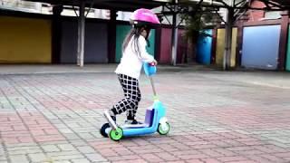 ╠ ☞♀╮Olivia╭♀☜ ╣4Y1M_美國 Creative Baby 國民版多功能滑板車/嚕嚕車_戶外滑行篇