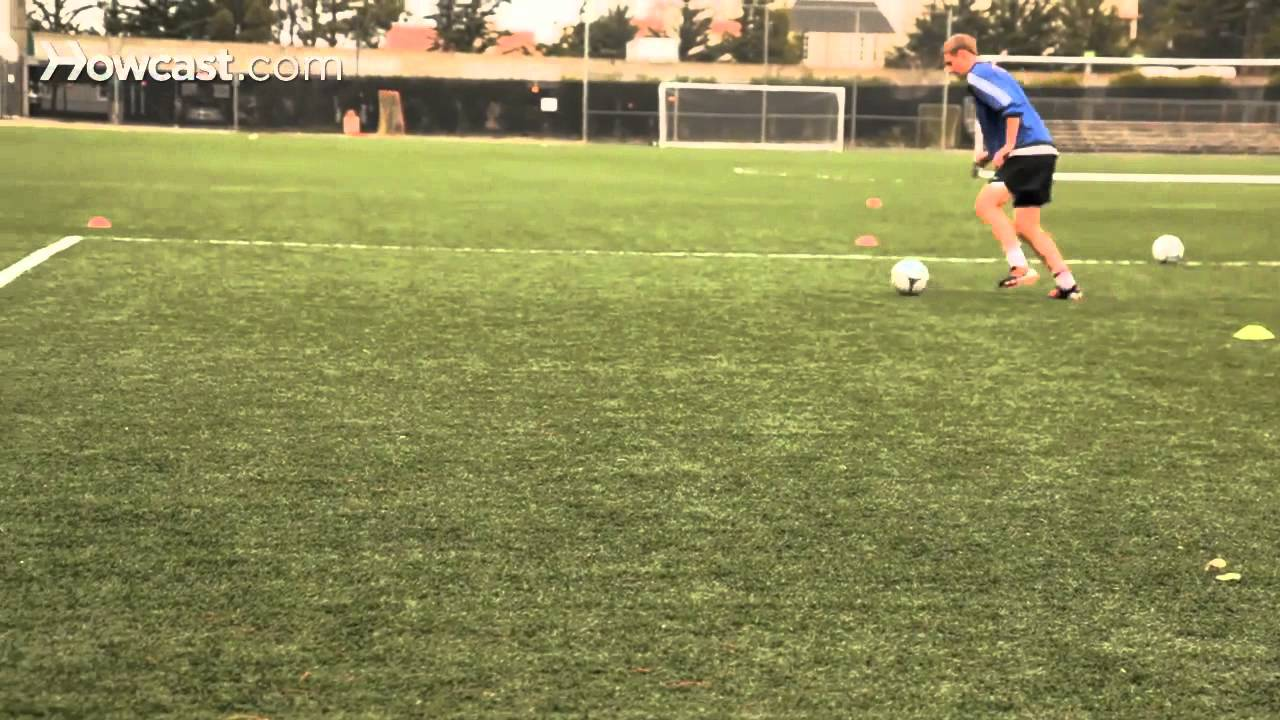 How to Short Pass & Push Pass | Soccer Lessons - YouTube
