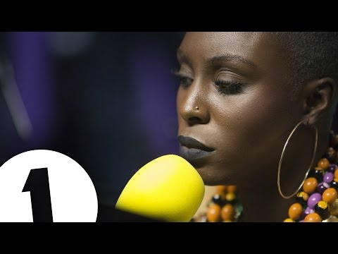Laura Mvula - Overcome (Radio 1's Piano Session)