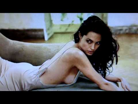 she Is Sexy Hot Angelina Jolie - Timos Song Live - Elektro Pop Techno - Berlin - Hd video