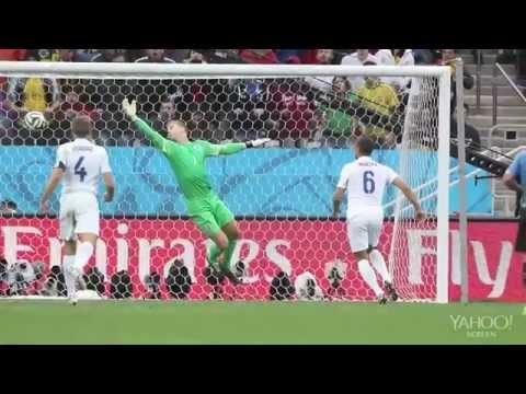 Luis Suarez keeps Uruguay (England) alive in World Cup 2014