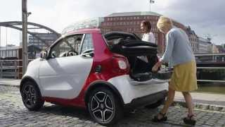 Smart Fortwo Cabrio - Red Color : Video on the Road