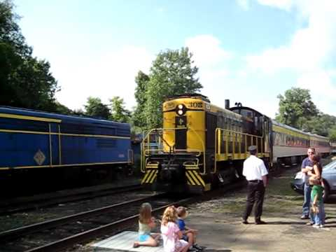 NY&LE 308 Alco S1 former Erie & EL 308 switching at Gowanda, NY Part 1