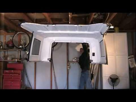 How to Make a Jeep Wrangler Hardtop Lift - YouTube