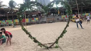Bé Su chơi cát Nha Trang