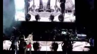 Watch Gwen Stefani U Started It video