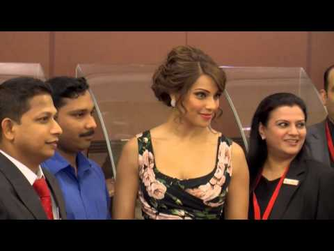 Bollywood star Bipasha Basu dazzles in Dubai
