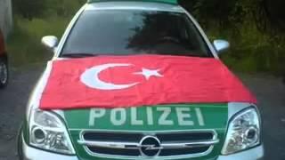 Türke ruft bei polizei an soo geil........ ;)