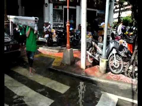 Bangkok Floods 2011 – Chinatown (1)